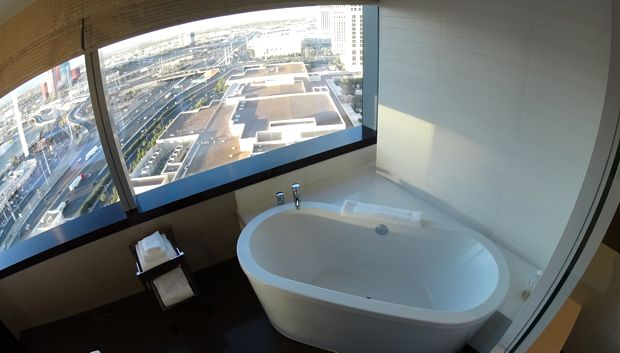 vdara corner suite bathtub